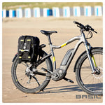 basil-miles-bicycle-bag-17l-black lifestyle 2