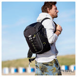 basil-miles-bicycle-bag-17l-black lifestyle 1