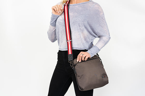 Zoomlite fashion bags with changeable straps are anti-theft bags which are great for travel