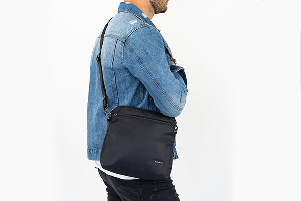 Zoomlite manbag for him while travelling