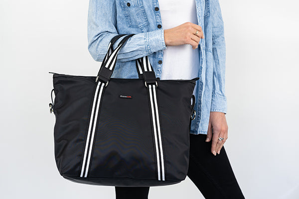 Anti-theft tote bag from Zoomlite, with 2 handles and a detachable crossbody strap