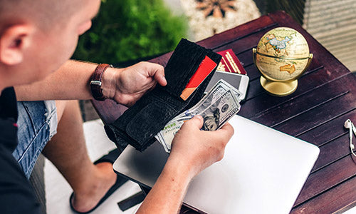 7 Reasons Why You Should Slim Down Your Wallet - Zoomlite blog - cards are more secure than cash
