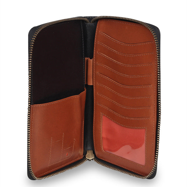 Zoomlite leather Mens travel wallet - designed for easy use