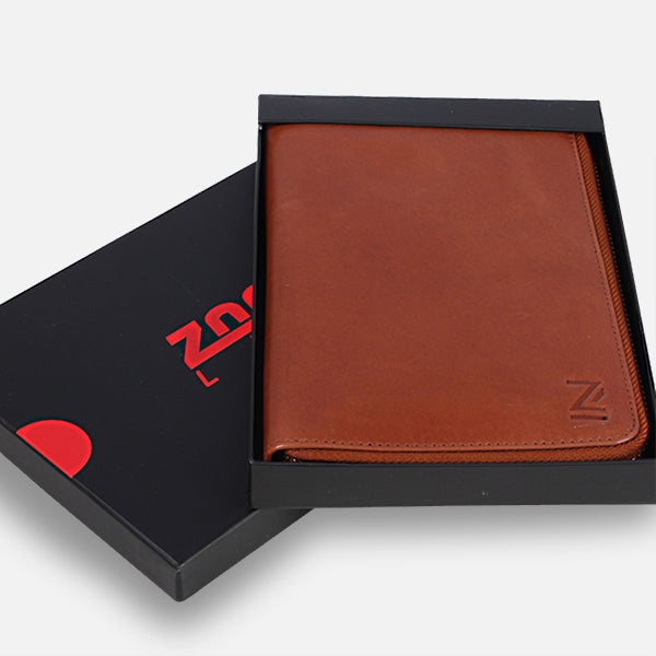 Zoomlite leather Travel wallet - the perfect gift for her or him