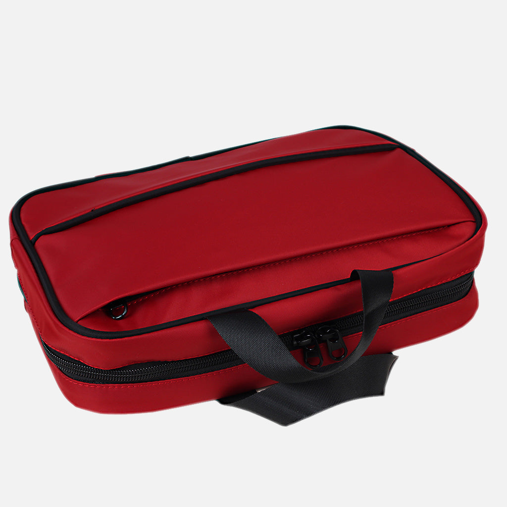 Zoomlite Hanging Toiletry Kit has an outside zip pocket