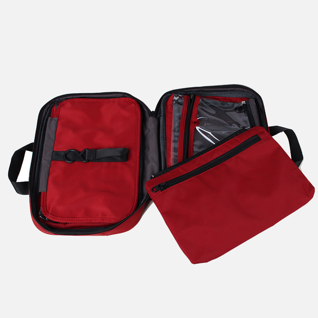 Zoomlite travel dopp kit has a detachable zip pouch for when you only need a few items