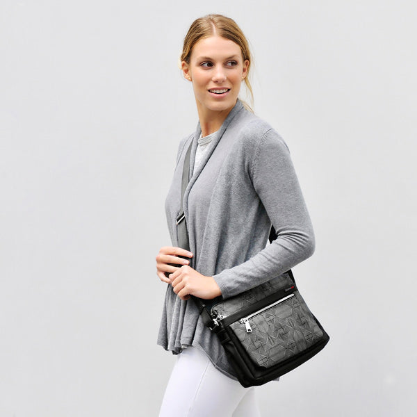 Stylish Crossbody Bags for your daily commute - Tips