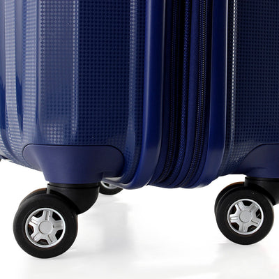 Zoomlite lightweight suitcases with 4 double wheels for multi-directional manoeuvering