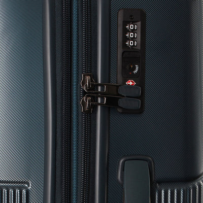 Zoomlite Titania 3 piece luggage set has built-in TSA locks
