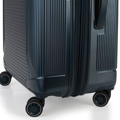 Zoomlite Titania 3 piece luggage set of spinner suitcases with 4 double wheels on each case
