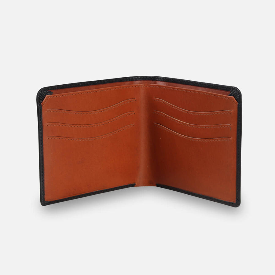 Zoomlite leather slim travel wallet for men - fits large notes when abroad