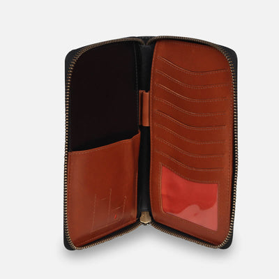Zoomlite premium leather travel wallet - the perfect travel companion