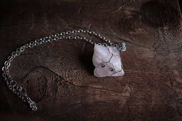 Rose Quartz Crystal Necklace / Silver - LovelyOdds