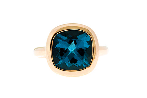 9ct Ring In Yellow Gold With 12mm London Blue Topaz