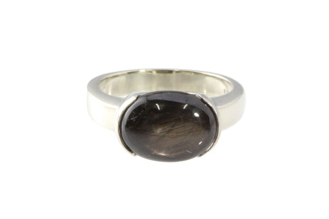 9ct Ring In White Gold With Golden Sheen Sapphire 5.95 carats.