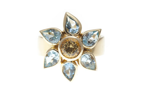 18ct Ring In Yellow Gold A Flower With Aquamarines & Yellow Sapphire