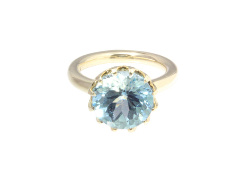 9ct Ring In Yellow Gold With Blue Topaz