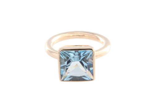 9ct Ring In Rose Gold With Blue Topaz