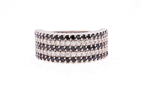 18ct Ring In White Gold With Black & White Diamonds