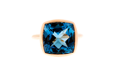 9ct Ring In Yellow Gold With Bezel Set 12mm London Blue Topaz