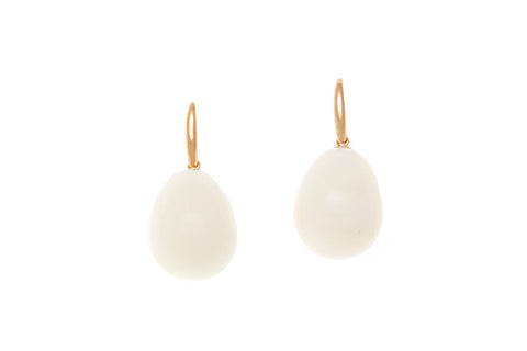 9ct Earrings In Yellow Gold With White Agate Drops