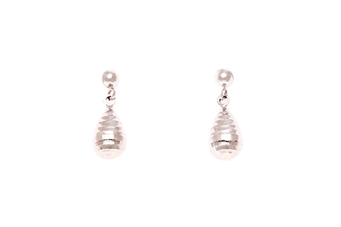 9ct Earrings In White Gold With Diamond Cut Oval Drops