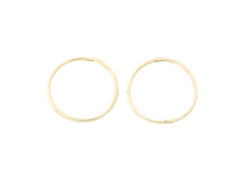 18ct Earrings In Yellow Gold Sleepers