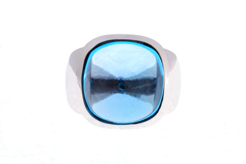 9ct Ring In White Gold With Cabochon Blue Topaz 14mm