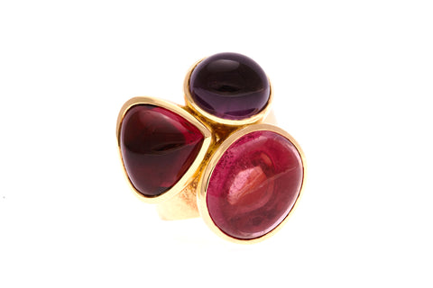 3_cabochon_tourmaline_yellowgold_ring_julescollins