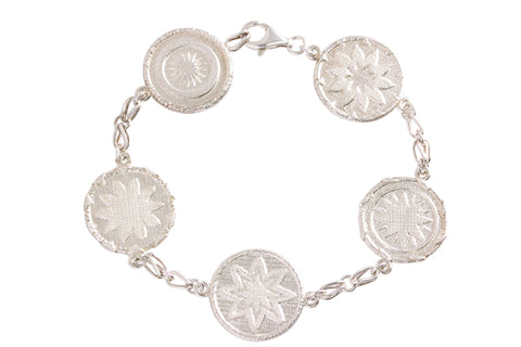 Silver Woven Buka Basket Detailed Bracelet
