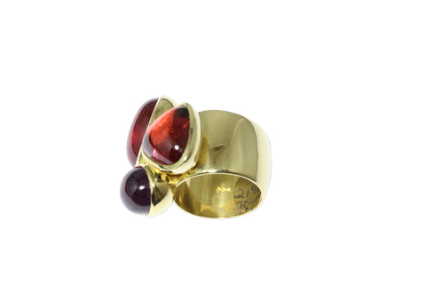 18ct Ring In Yellow Gold With Cabochon Tourmalines 35.26 carats