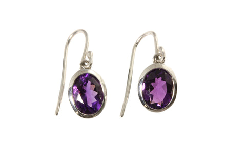 9ct earrings in white gold with 8x6mm oval faceted amethysts