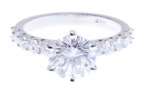 DIAMOND_RING_WITH _DIAMOND_BAND
