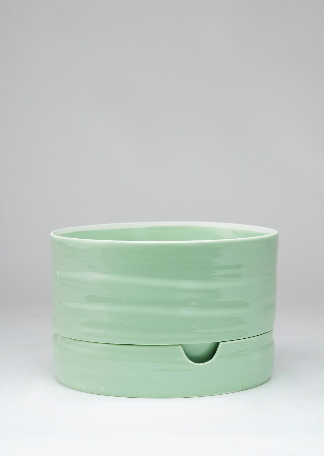 Self Watering Plant Pot | Mid Sage Green | Angus and Celeste