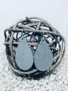 Small Crackle Shimmer Grey Metallic Teardrop