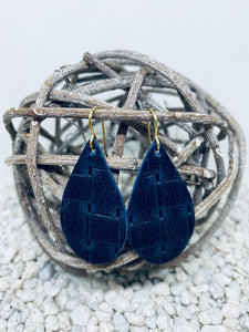 Small Navy Wicker Textured Leather Teardrop