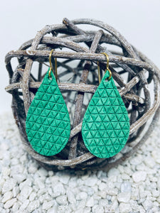 Small Emerald Green Textured Leather Teardrop