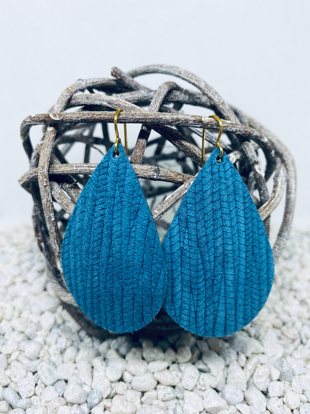 Large Blue Rope Textured Leather Teardrop