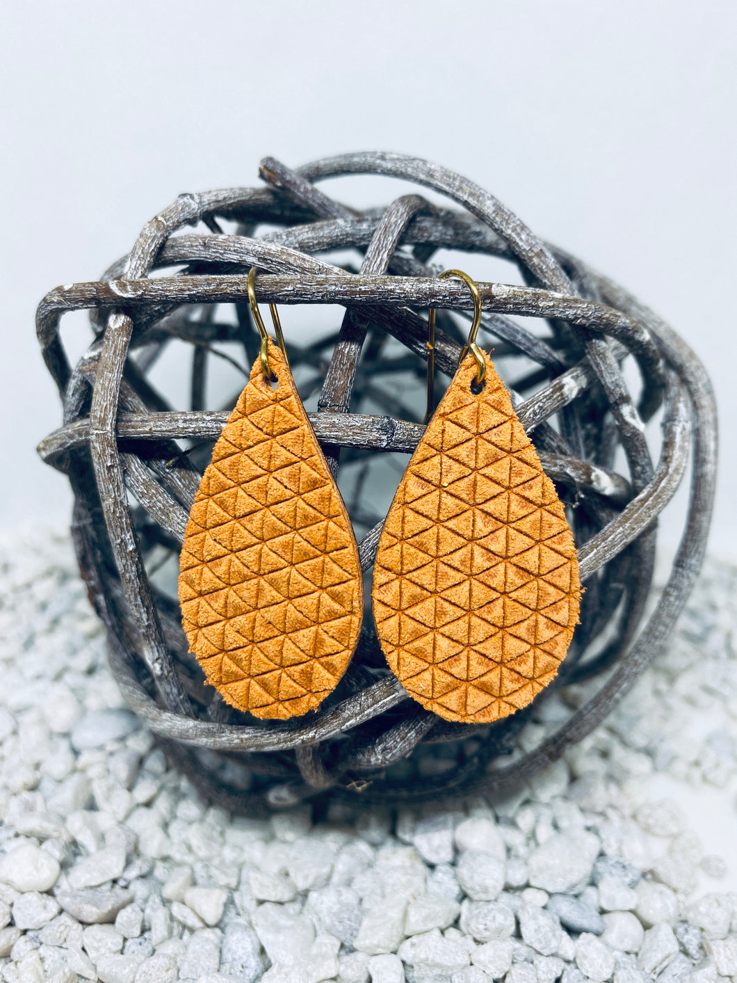 Small Vintage Orange Triangle Textured Leather Teardrop