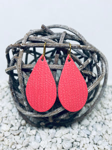 Small Coral Rope Textured Leather Teardrop