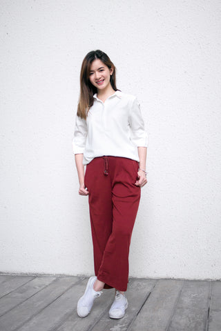 Joggers Culottes Laid-Back Streetwear Look Sneakers White Collared Shirt Button-Down