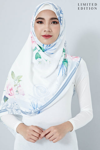 [LIMITED EDITION] Ariadne Scarf in Light Blue