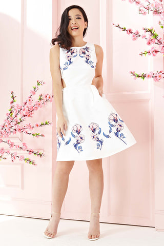Twenty3 - Hyacinth Side Cutout Skater Dress in Floral Prints -  - Dresses - 1