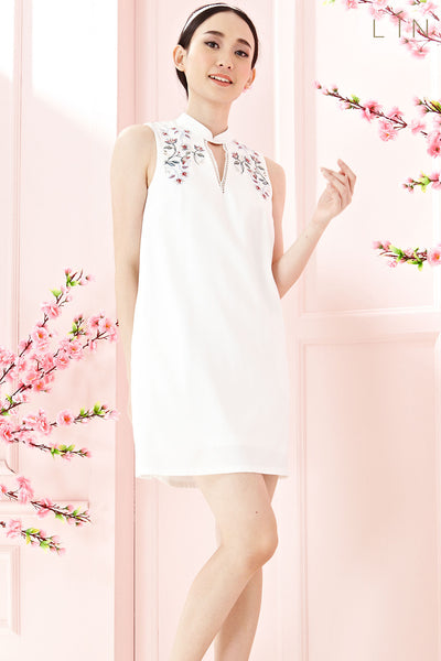 Twenty3 - Chantal Shift Dress with Embroidery in White -  - Dresses - 1