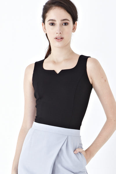 Twenty3 - Norah Sleeveless Fitted Top in Black -  - Top - 1