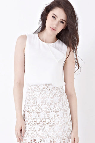 Tove Sleeveless Top in White - Top - Twenty3