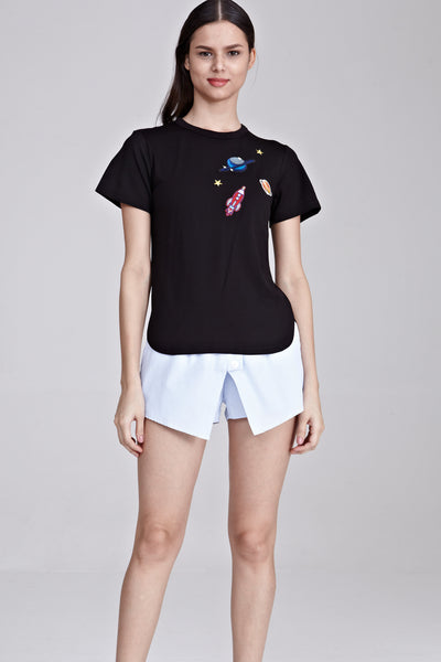 Constella Short Sleeve Top with Patches in Black