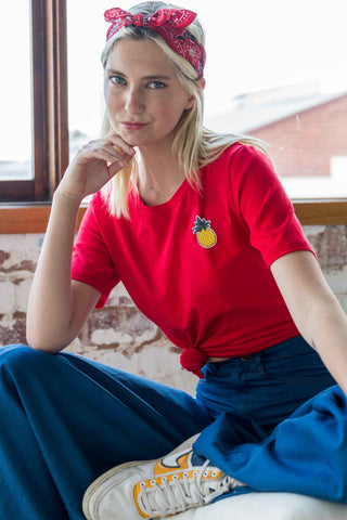 Carise T-Shirt with Pineapple Patch in Red