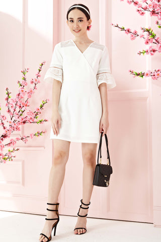 Twenty3 - Astonia Flute Sleeves Sheath Dress in White -  - Dresses - 1