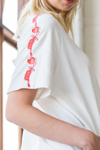 Leola T-shirt Dress with Chinese Embroidery Motif in White - Dresses - Twenty3